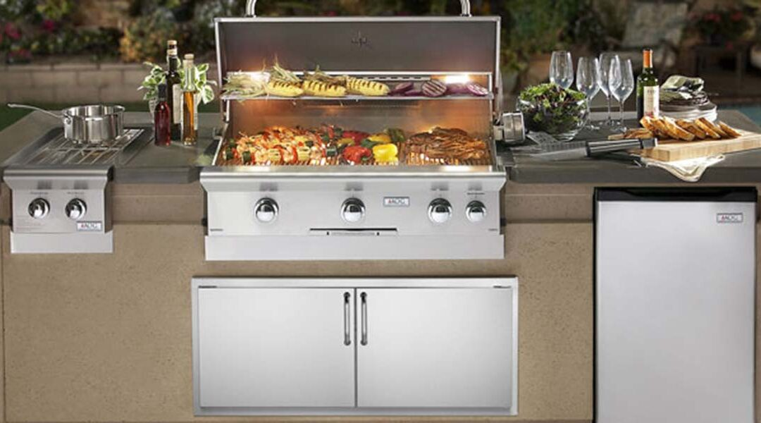 Outdoor Entertaining Starts With a Smokin' Hot Grill